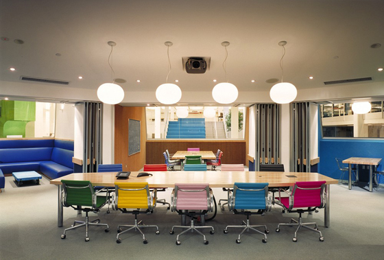 More sweet offices kbp west thee blog for Colorful office furniture